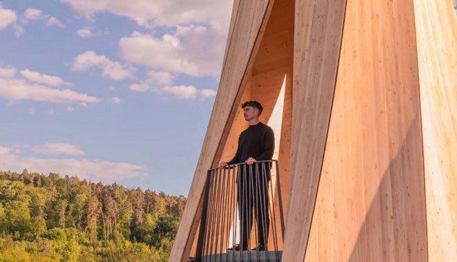 Độc đáo tòa tháp hình xoắn ốc được làm từ gỗ đầu tiên trên thế giới