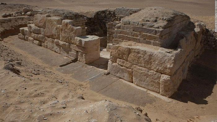 Dòng chữ khắc trên lăng mộ 4.500 năm tuổi báo ngày tận thế