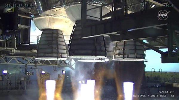 Động cơ quái vật của NASA trình làng thành công: Thế giới có tên lửa đẩy mạnh nhất hành tinh