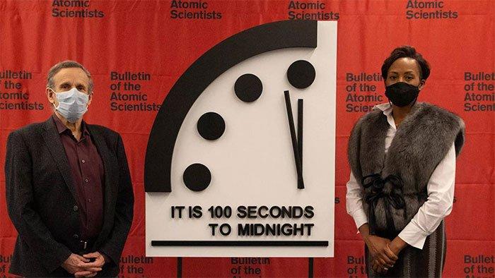 Đồng hồ ngày tận thế đứng ở mức 100 giây đến nửa đêm