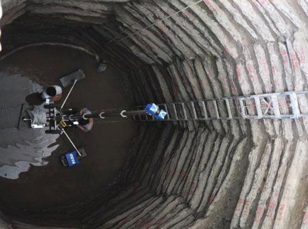Dựng lại nhà, kỹ sư choáng váng phát hiện giếng cổ từ thời Chiến Quốc quý hiếm