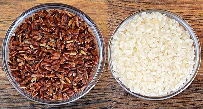 Gạo trắng và gạo lứt, loại nào bổ dưỡng hơn?