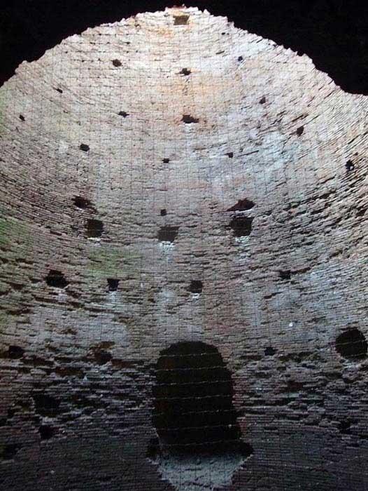 """Giải mã lớp tường thành """"tự phục hồi"""" vây ngôi mộ của nữ quý tộc quyền lực 2.100 năm tuổi"""