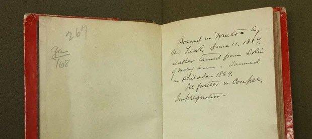 Góc khuất ngành y thế kỷ 20: Vật liệu làm ra những cuốn sách y khoa khiến ai cũng kinh sợ