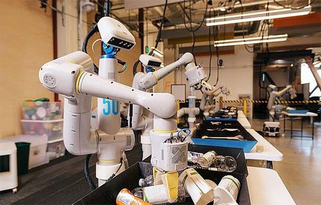 Google đạt được bước tiến trong huấn luyện robot văn phòng