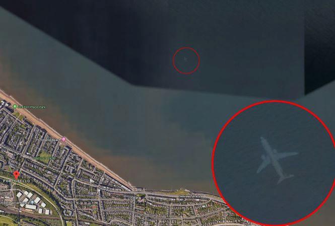 Google Earth phát hiện máy bay chìm dưới biển?