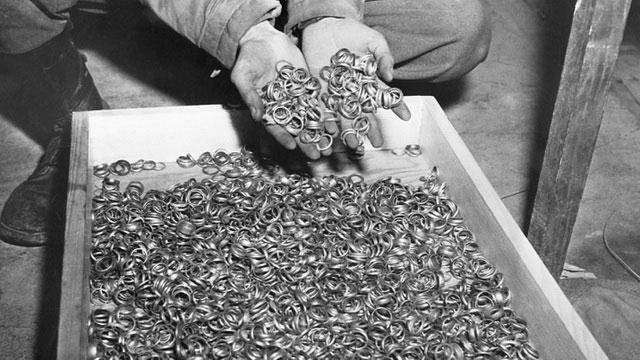 Hé lộ đường hầm bí mật nơi Hitler chôn 21 tấn vàng tử thần