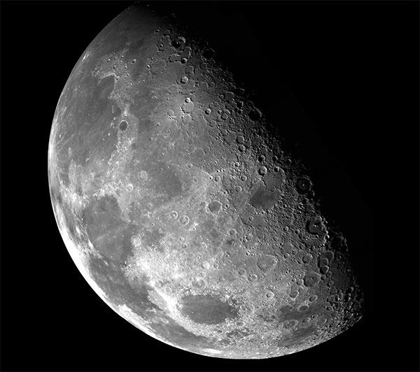 Hiện tượng kỳ lạ: Mặt trăng đang khóc