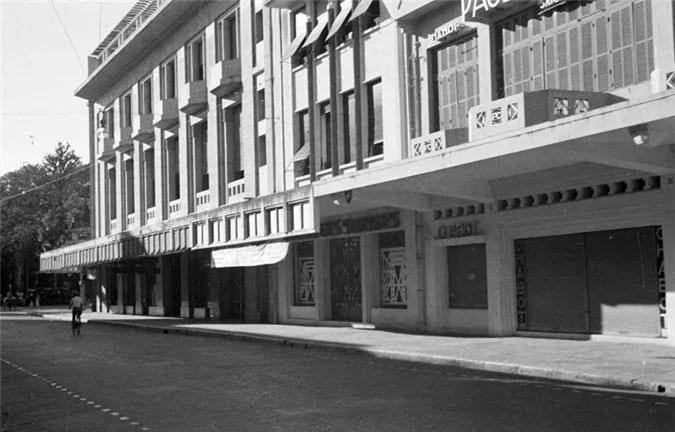 Hình ảnh Tràng Tiền - phố sang Hà Nội xưa và nay