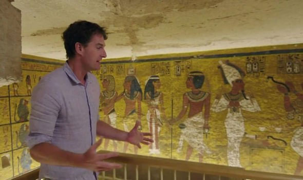 Hình vẽ trong hầm mộ pharaoh trẻ nhất Ai Cập hé lộ điều chấn động