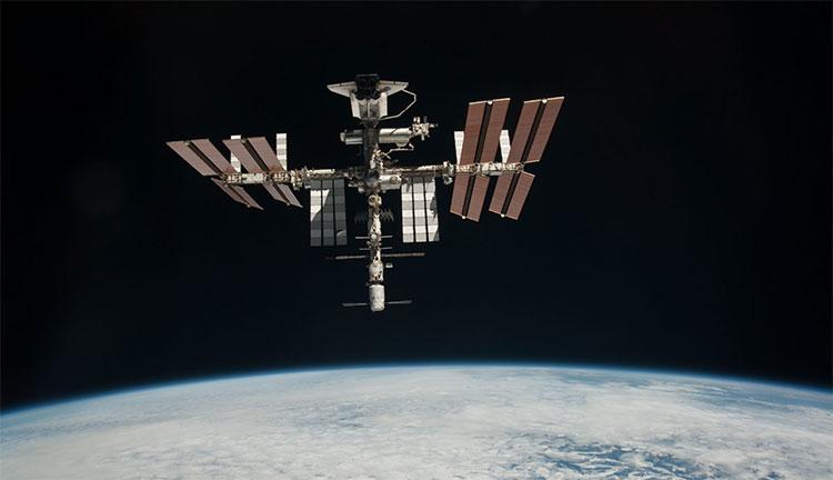Học theo Nga, NASA định bán vé du lịch lên ISS