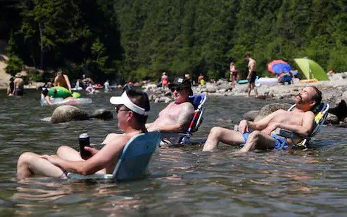 Hơn 34 người đột tử trong 1 ngày vì nắng nóng vạn năm có một ở Canada