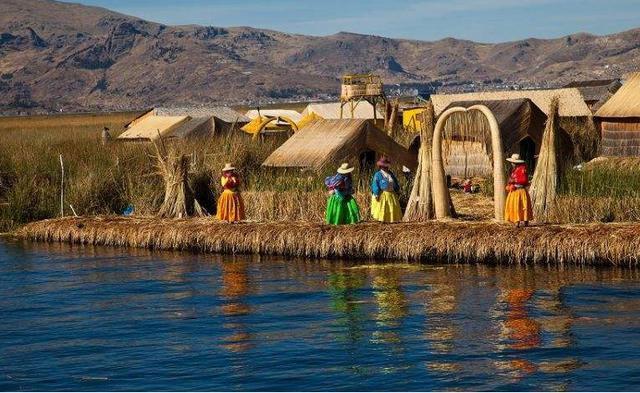 Hòn đảo dệt bằng cỏ trôi nổi trên biển suốt 1000 năm