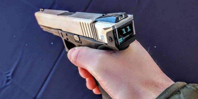 Hộp khóa nòng thông minh đầu tiên trên thế giới với màn hình hiển thị số đạn trong súng