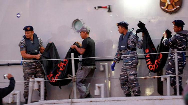 Indonesia đưa 21 thi thể nạn nhân máy bay rơi về nhận dạng