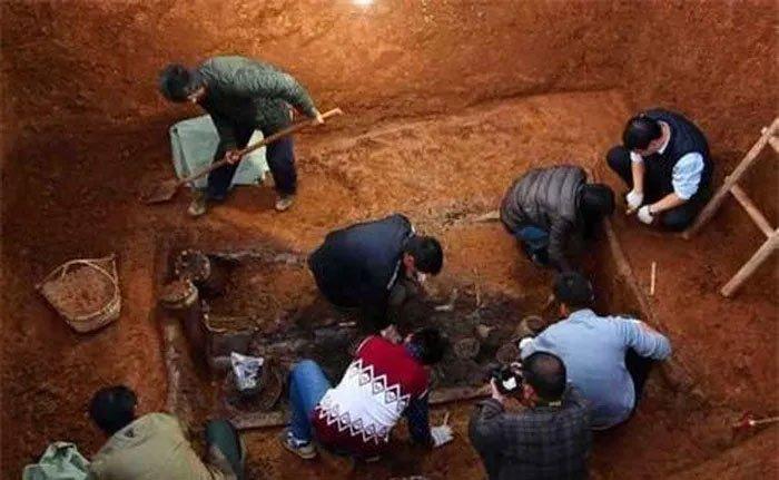 Khai quật mộ Cẩm Y Vệ, phát hiện bình rượu mận bọn trộm coi thường bỏ lại: Trị giá tới 1 tỷ nhân dân tệ
