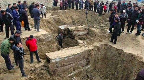 Khai quật mộ cổ Trung Quốc: Tử thi đột ngột 'biến dạng' khiến các nhà khảo cổ khiếp sợ