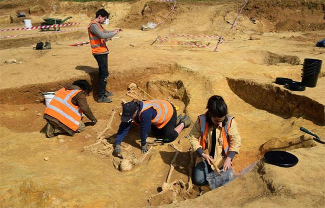 Khai quật mộ tập thể của người La Mã, thấy cảnh đáng sợ