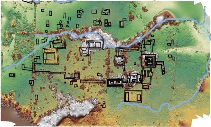 Khai quật thành phố Maya cổ đại trong sân trang trại