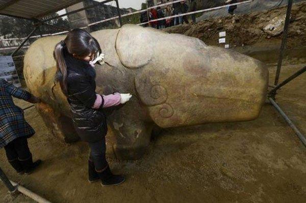Khai quật vật thể 8 tấn bí ẩn: 40 năm sau, sự thật về 'thần thú' liên quan đến Tần Thủy Hoàng mới hé lộ