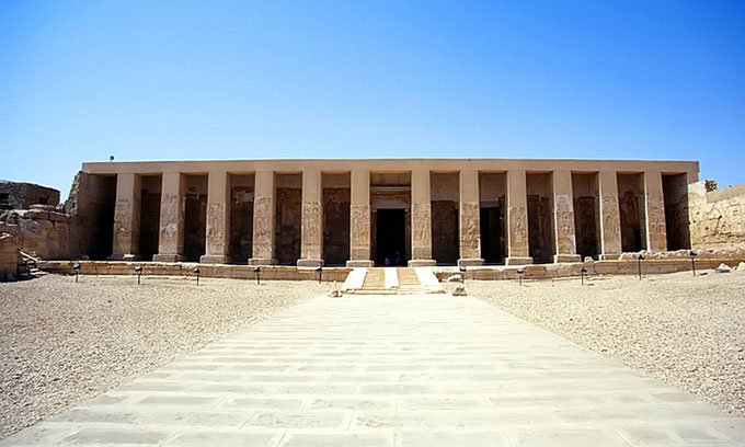 Khai quật xưởng sản xuất bia lâu đời nhất ở Ai Cập