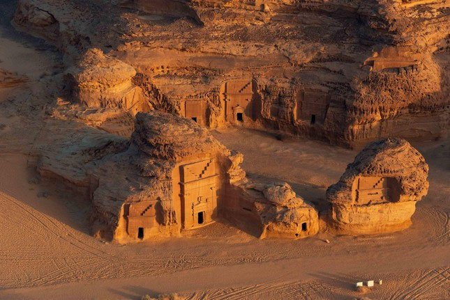 Khám phá bí mật về thành phố bị nguyền rủa giữa lòng sa mạc Saudi Arabia