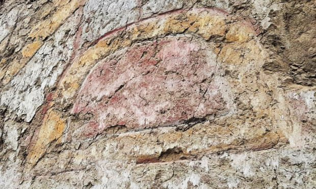 Khám phá bức vẽ thần nhện khổng lồ 3.200 năm tuổi