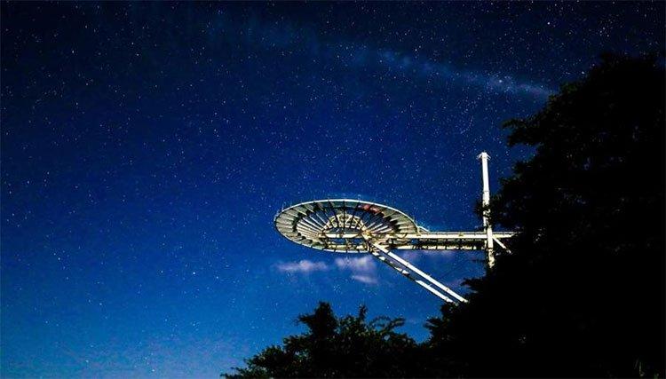 Khám phá cầu kính kỉ lục Guinness Sky Mirror ở Hồ Bắc