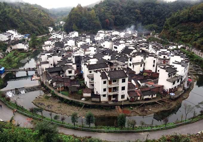 Khám phá ngôi làng cổ có kiến trúc theo phong thủy chống hỏa hoạn