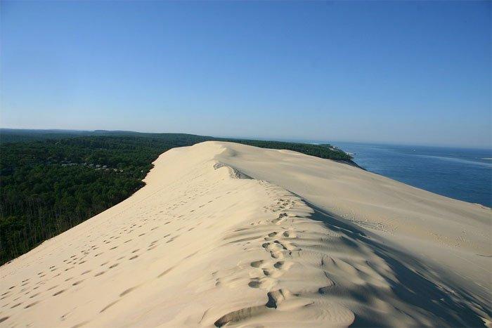 Khám phá sa mạc đặc biệt với khả năng biết đi hiếm có giữa lòng nước Pháp