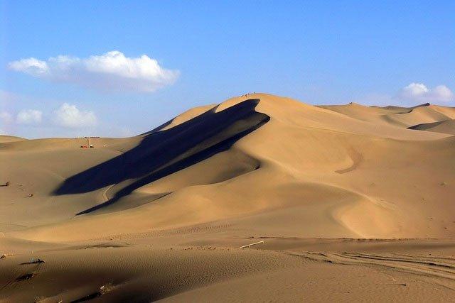 Khám phá sa mạc lớn nhất Trung Quốc, nơi được ví là chốn đi dễ khó về