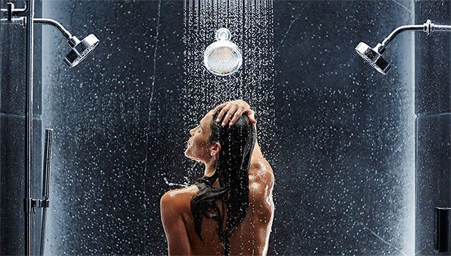 Khoa học: Người càng tắm lâu thì càng… cô đơn!