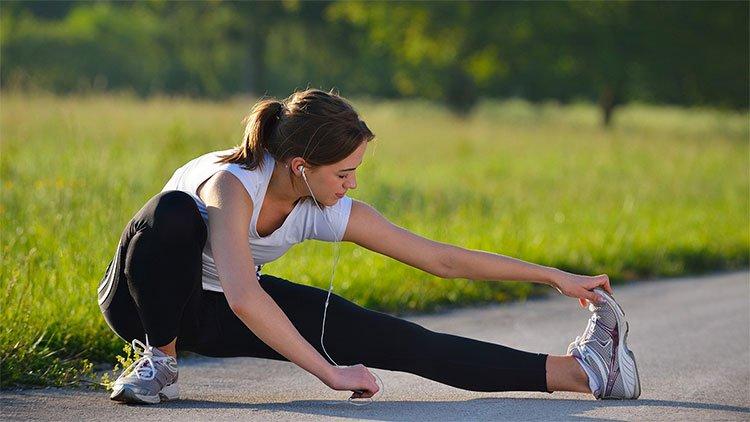 Không tập thể dục có thể gây tổn hại sức khỏe hơn cả hút thuốc hay bệnh tim mạch