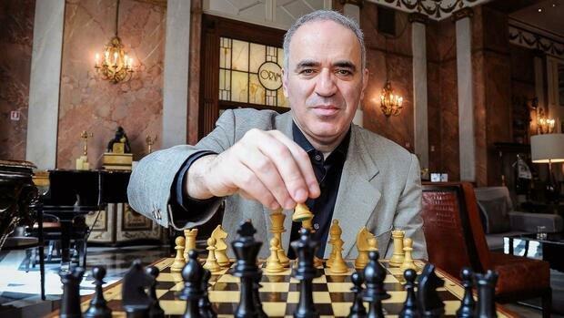 Kiện tướng cờ vua Nga mất việc vì AI