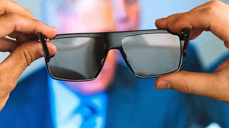 Kính chặn được các thể loại màn hình, cho phép bạn cắt đứt liên lạc với thế giới công nghệ