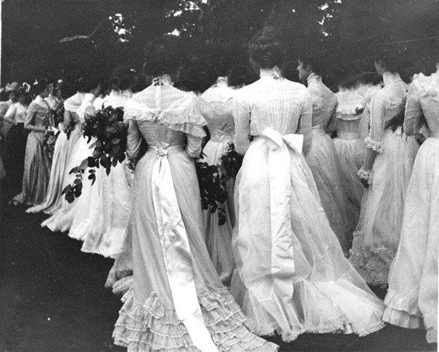 Kinh ngạc 10 bức ảnh lịch sử chưa một lần hé lộ