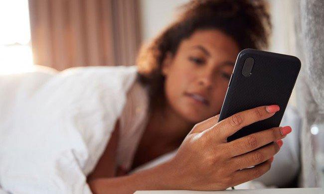 Kinh ngạc với số liệu con người dành cho điện thoại