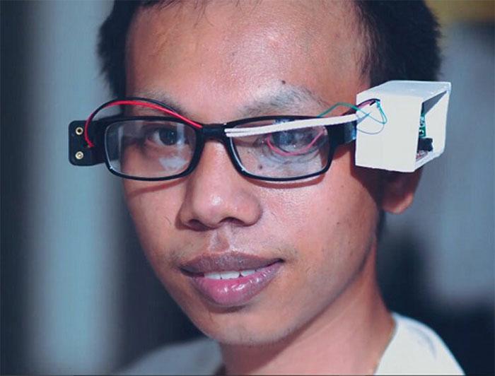 Kính thông minh MultiGlass cho người khuyết tật dùng máy tính