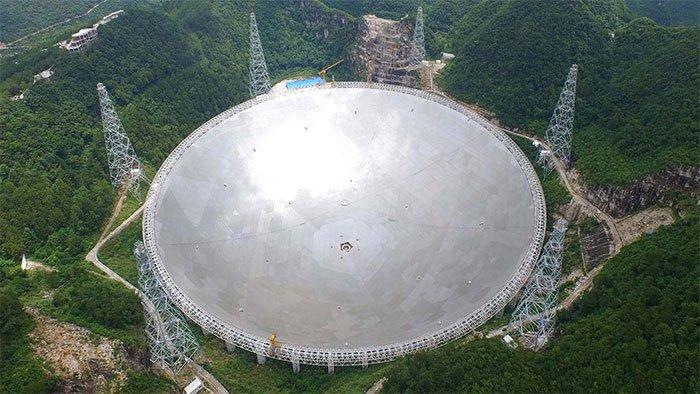 Kính viễn vọng khổng lồ bắt được tín hiệu từ vũ trụ