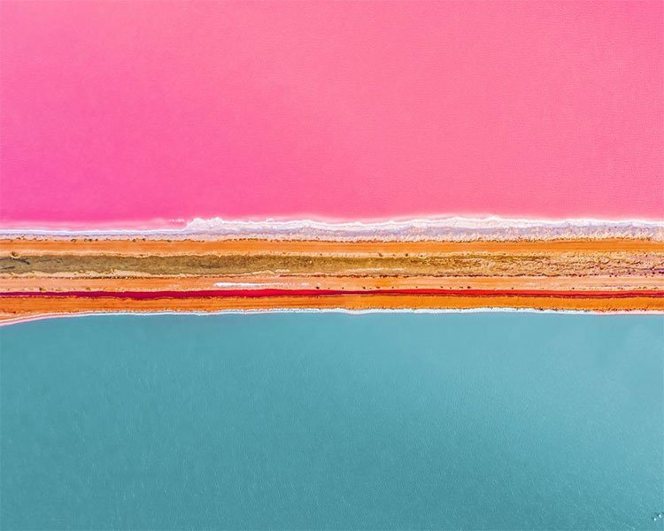 Kỳ lạ hồ nước màu hồng, đỏ, cam theo giờ