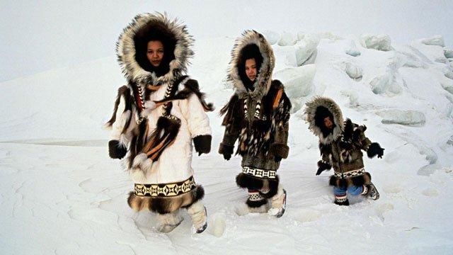 Lạ lùng bộ tộc sống ở nơi khắc nghiệt với tục lệ đổi vợ cho nhau