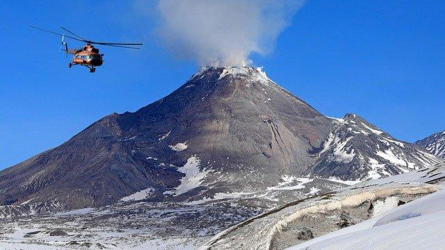 """Lần đầu tiên ghi nhận hiện tượng núi lửa """"tái sinh"""""""