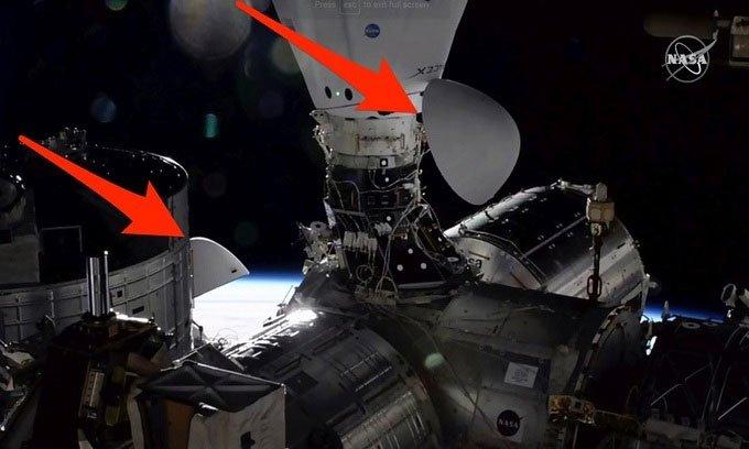Lần đầu tiên hai tàu SpaceX ghép nối với trạm ISS cùng lúc