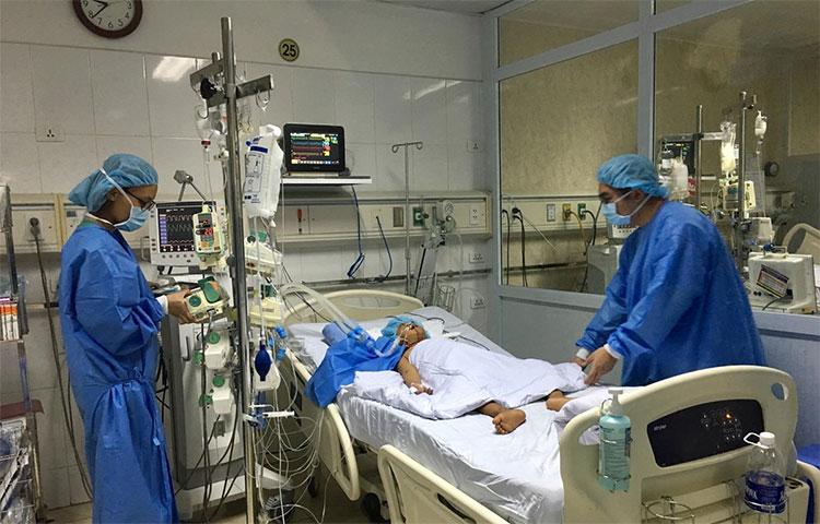 Lần đầu tiên Việt Nam thực hiện thành công chia gan ghép cho 2 người | Y tế