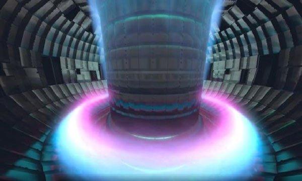 Lắp ráp lò phản ứng nóng hơn lõi Mặt Trời