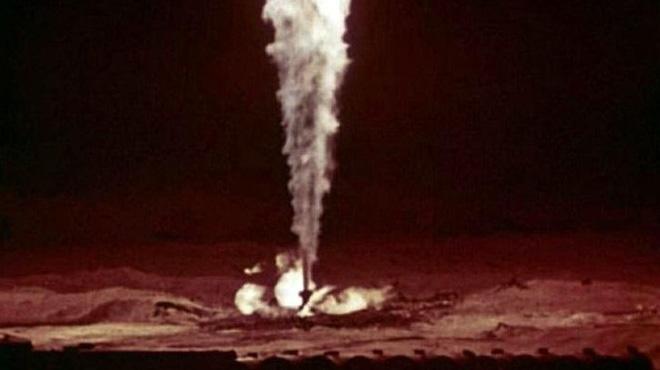 Liên Xô dùng bom nguyên tử dập tắt ngọn đuốc gas cao 70m