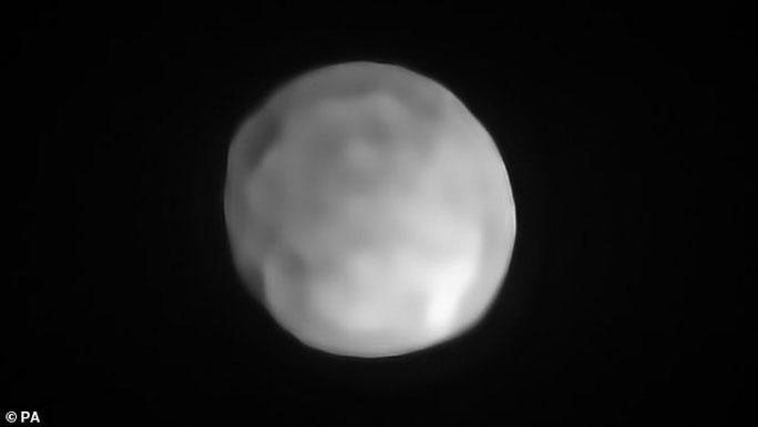 Lộ diện một hành tinh lùn mới ngay trong Hệ Mặt trời