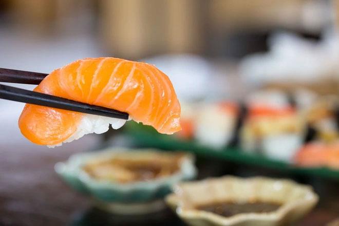 Loài ký sinh trùng kỳ lạ có ngoại hình giống hệt miếng sushi