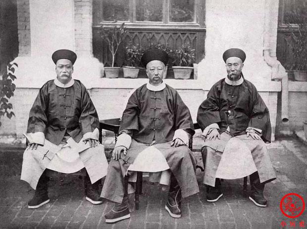 Loạt ảnh khắc họa tướng mạo thật của các vị quan văn võ cuối triều nhà Thanh khác xa trên phim ảnh