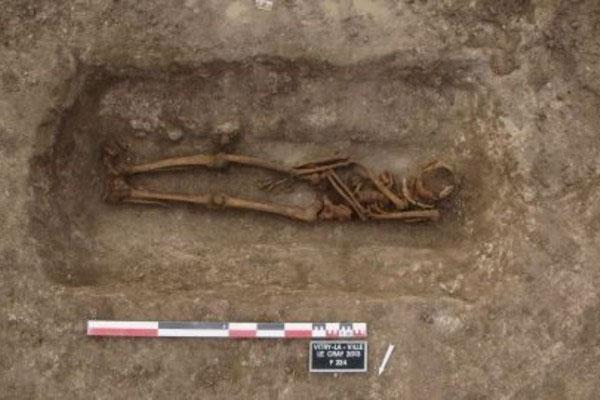 Loạt mộ cổ chứa bảo vật ma xuất hiện bí ẩn khắp châu Âu